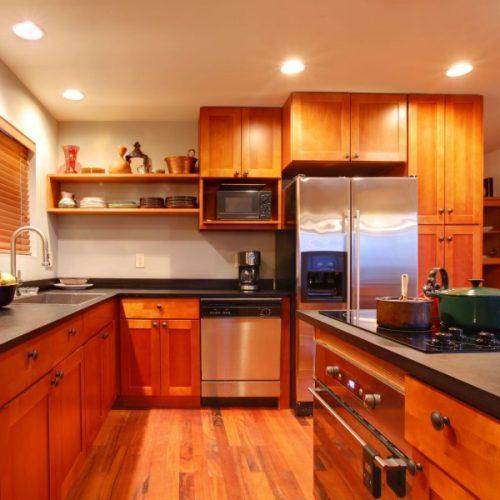 מטבח מעוצב מעץ דגם Orange wood